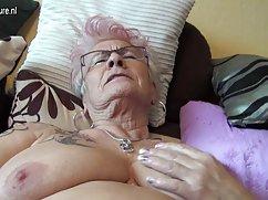 聚酯胶乳奶奶的圣你的丝袜